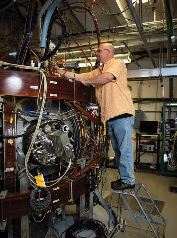 faculty working on fusion plasma physics